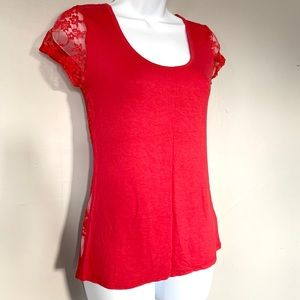 🌻 (3/$15) Zenana Outfitters Lace Red T Shirt, M